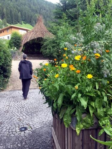 Campo Tures - Un giardino sul tema della biodiversità presso il Centro visite Parco Naturale Vedrette di Ries - Aurina.
